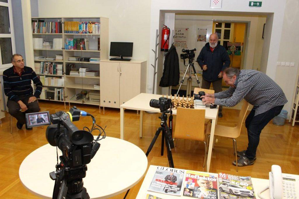 Voljen Grbac i Sime Strikoman na snimanju u Vodickoj biblioteci