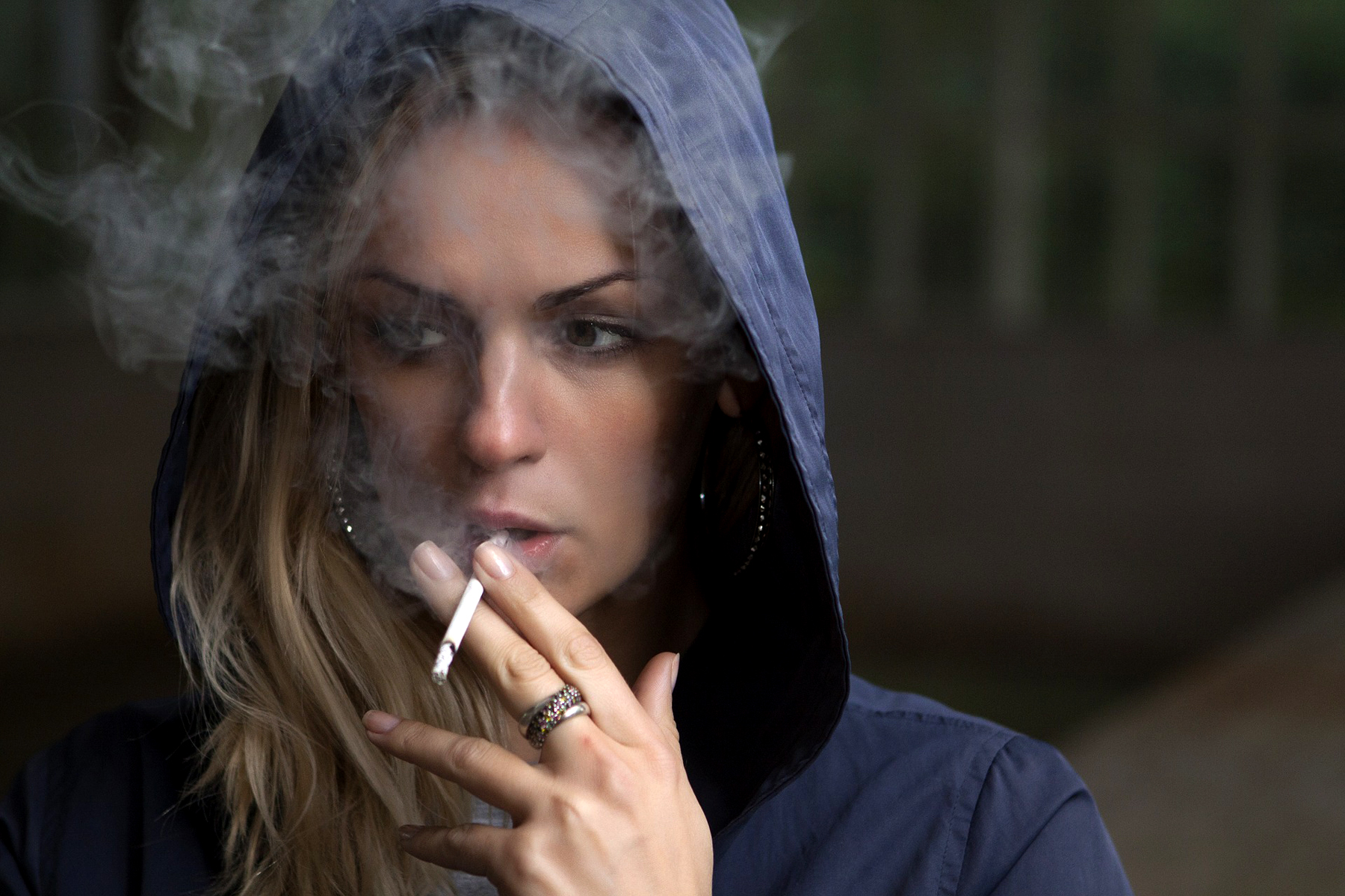 Mariniranje woman smoke