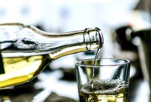 Mariniranje vino u boci PIXABAY