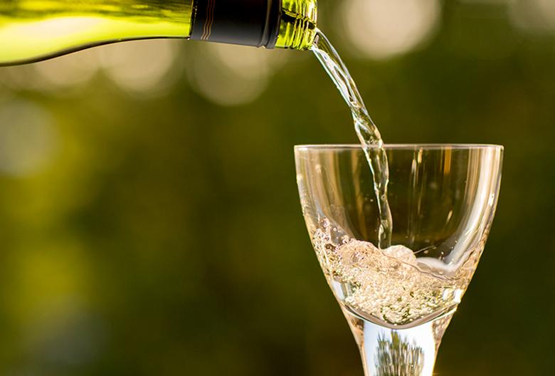 Mariniranje bottle wine by Pexels Pixabay