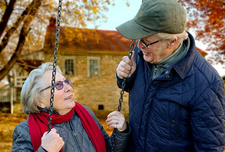 Mariniranje old-people by Claudia Peters Pixabay