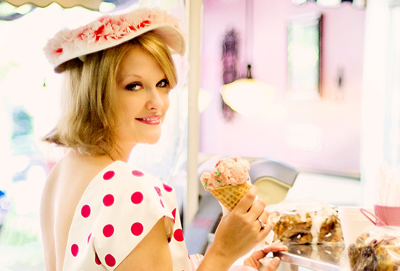 Mariniranje vintage-ice-cream-parlor- by Jill Wellington Pixabay