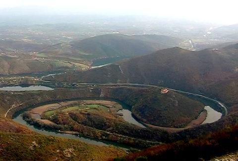 Mariniranje meandar Z Morave pogled s Kablara Foto V Jovanovic
