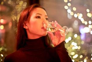 Mariniranje deguste champagne PEXELS