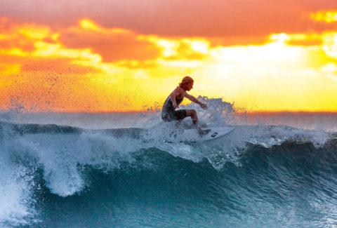 Mariniranje surfing by Please do on Pixabay