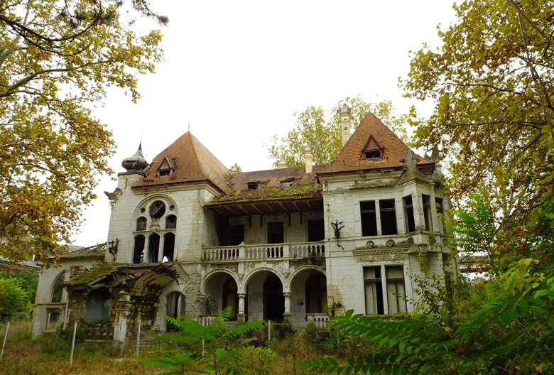 Spicer-Orenstajnov dvorac Beocin na Mariniranju Foto P Komljenovic