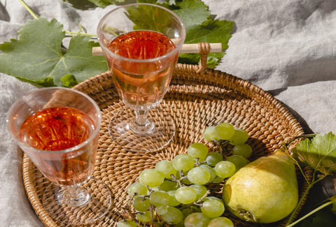 Mariniranje orange wine photo Freepik