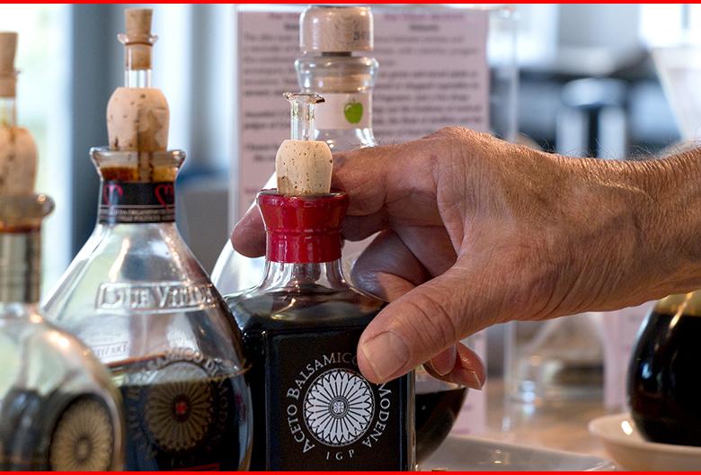 balsamic-vinegar Mariniranje 1 photo by Kerry Hart from Pixabay